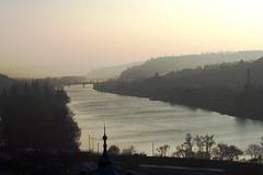 CZ - Prag - Dunst über der Moldau