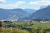 Eppan - Blick über Bozen zum Schlern (Dolomiten)