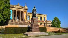 Schwerin, Museum und Paul-Friedrich-Denkmal