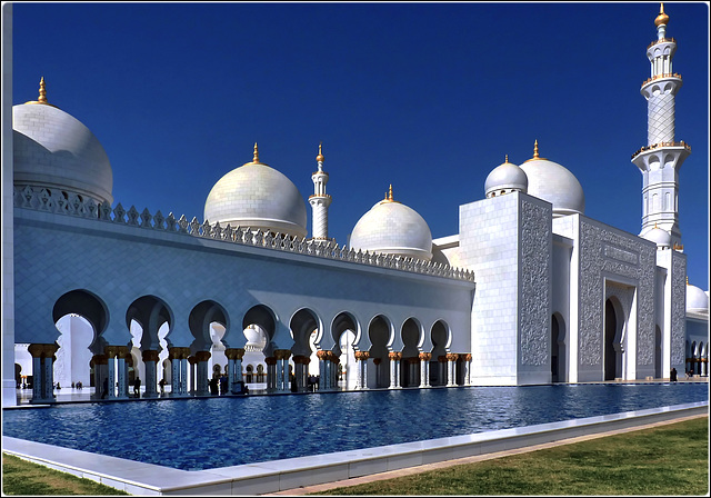 Abu Dhabi : l'ingresso alla grande moskea Zayed