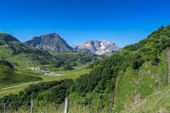 Hiking up the Widderstein (210°)