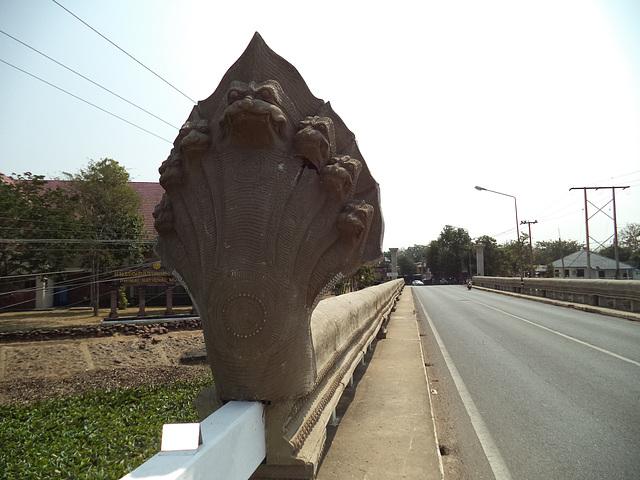 Un pont très peu accueillant / Non smiling bridge