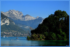 Du lac d'Annecy, au fond la Tournette