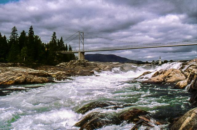 Norway 1968 - Øvre Fiskumfoss (060º)