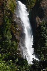 Cascade au Népal