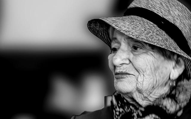 Ritratto di donna con cappello