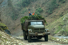 Georgian roads - encounter