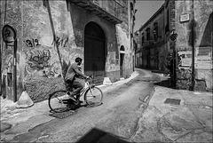 Lecce via Dasumno.