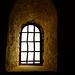 Drei Fenster einer Krypta (3)