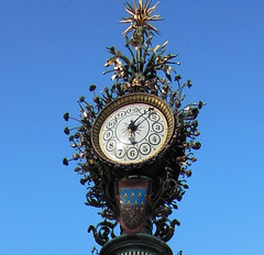Quelle heure est-il? / what time is it?