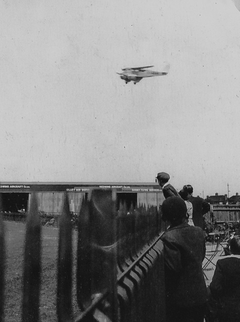 Aircraft watching at Croydon 1930s
