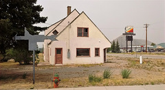 Flying J's house / Maison au J volant