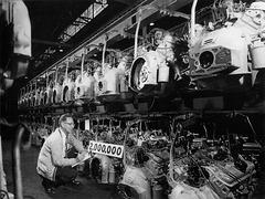 1960 2,000,000th Pontiac Engine