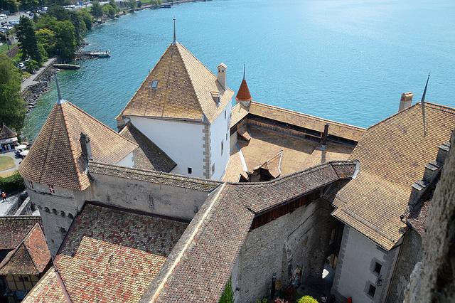 Blick vom Bergfried des Schlosses Chillon