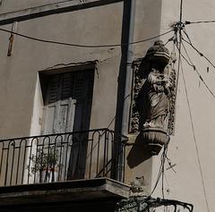 statue décapitée, rue Avignon