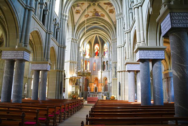 Die Kirche Sankt Peter und Paul Bern Schweiz von innen
