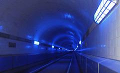Blauer Tunnel - Blue Tunnel