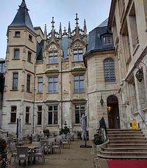 Notre hôtel à Rouen / Our hotel in Rouen