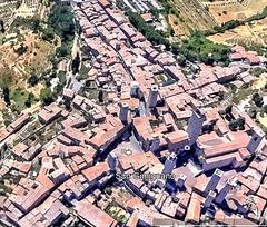 San Gimignano, Piazza Duomo e Piazza della Cisterna. Aus GE