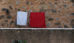 Laundry White Red