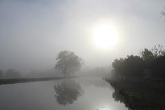 Lever de soleilsur le canal de Bourgogne