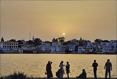 Le soleil se couche sur Pushkar