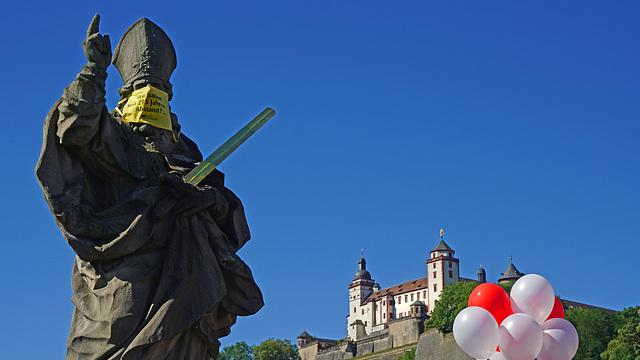 Corona: Würzburg setzt auf Vernunft - Würzburg places its faith in reason - PiP