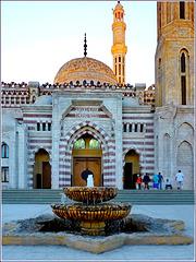 Sharm el Sheikh : l'ingresso della moskea e una bella fontana