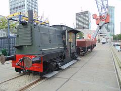 Verladebahn am Kai im alten Hafen von Rotterdam
