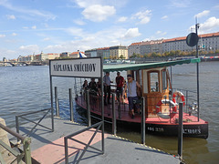 Prago-Smíchov  - romantika urba transporto sur la rivero