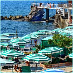 Genova : righe verdi sulla spiaggia di Quarto