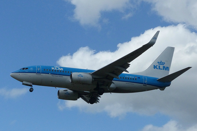 PH-BGU approaching Heathrow - 6 June 2015