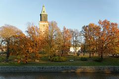 La cathédrale et son parc