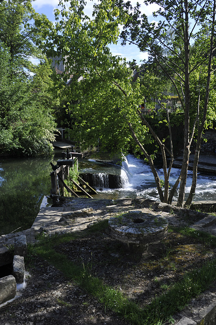 Morêt sur Loing-Petit barrage.