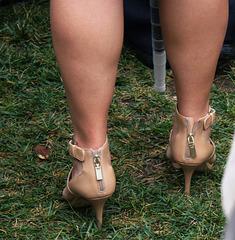 Tahari brown heels