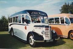 Felix Coaches DBU 889 at Showbus, Duxford – 21 Sep 1997 (373-07)