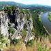 Die Elbe bei Rathen vom Basteifelsgebiet aus. ©UdoSm