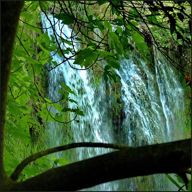 Kursunlu waterfall détail