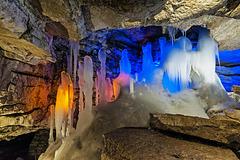 По гротам пещеры : Merveilleuse Nature