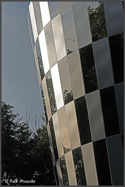 Spiegelfassade