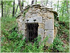 Fontaine sur le chemin de Lalinde (24)