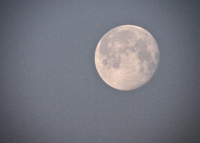 Der Mond um 8Uhr40