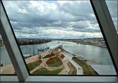 Lyon (69) 10 mars 2019. Le confluent de la Saône et du Rhône depuis le musée des Confluences.