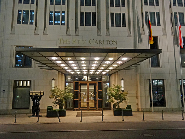 The Ritz Carlton Berlin closed because of the virus