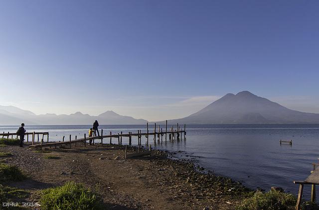 Morgenstimmung am Lago de Atitlán, Guatemala