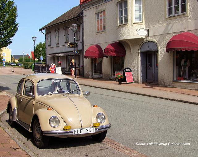 1970 VW Limousine 1500. Storgatan, Mellerud. 29.Juli.2014.