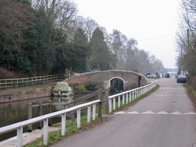 Bridge 51 and Junction Lock 17 at Fradley Junction.