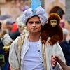 Leidens Ontzet 2017 – Parade – Monkey on his shoulder