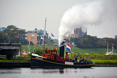 Sail 2015 – Steam tug Hercules blowing its whistle