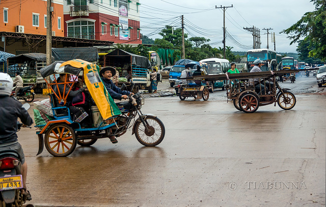Pakse traffic #1